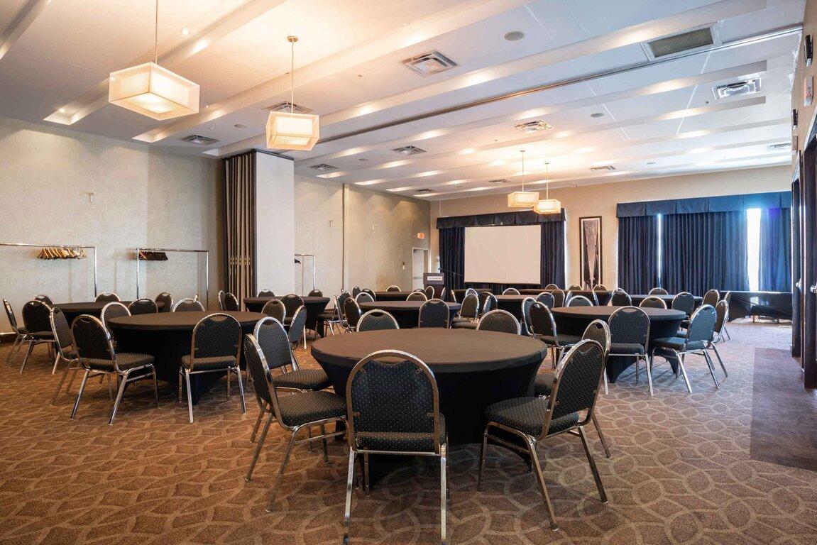 Sandman Hotel Suites Winnipeg Airport
