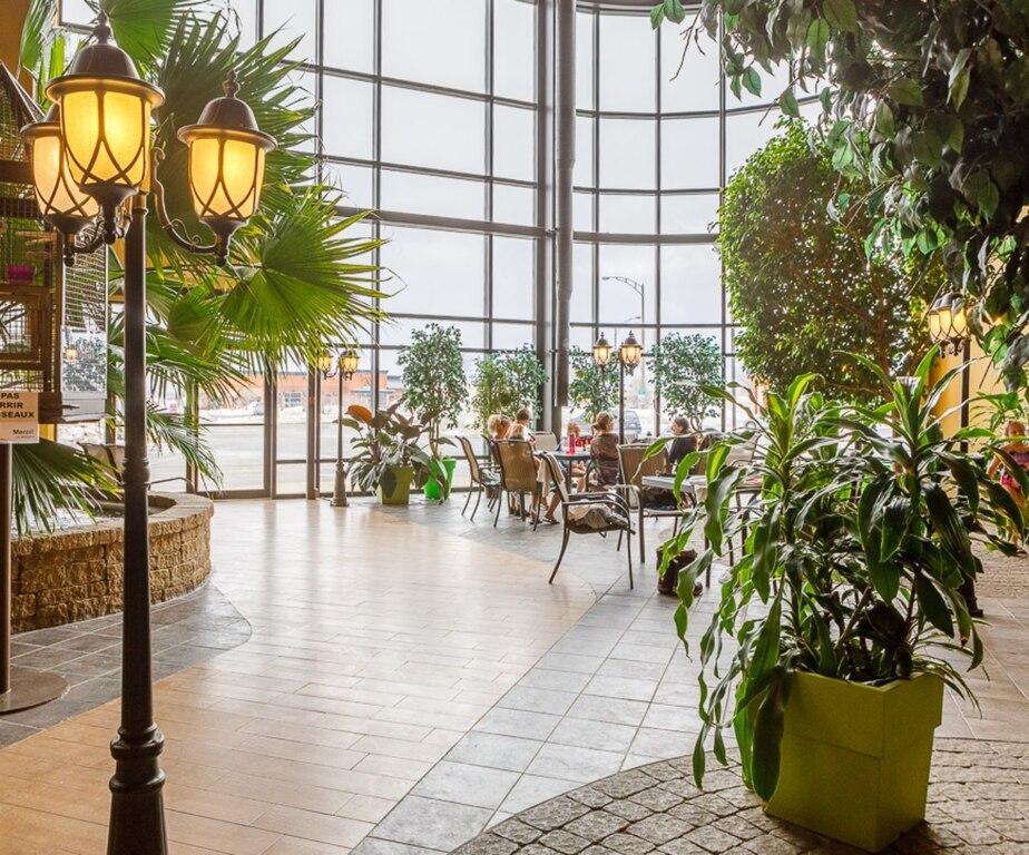 Ambassadeur Hotel and Suites