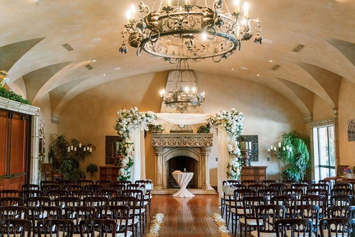 Simply Elegant Decorations