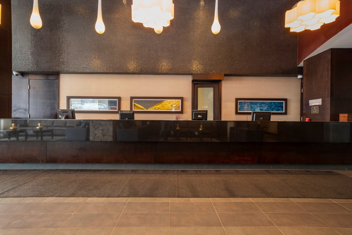 Sandman Signature Toronto Airport Hotel